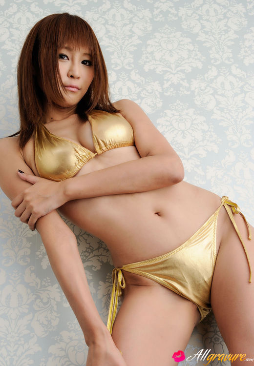 Golden asian sex pics