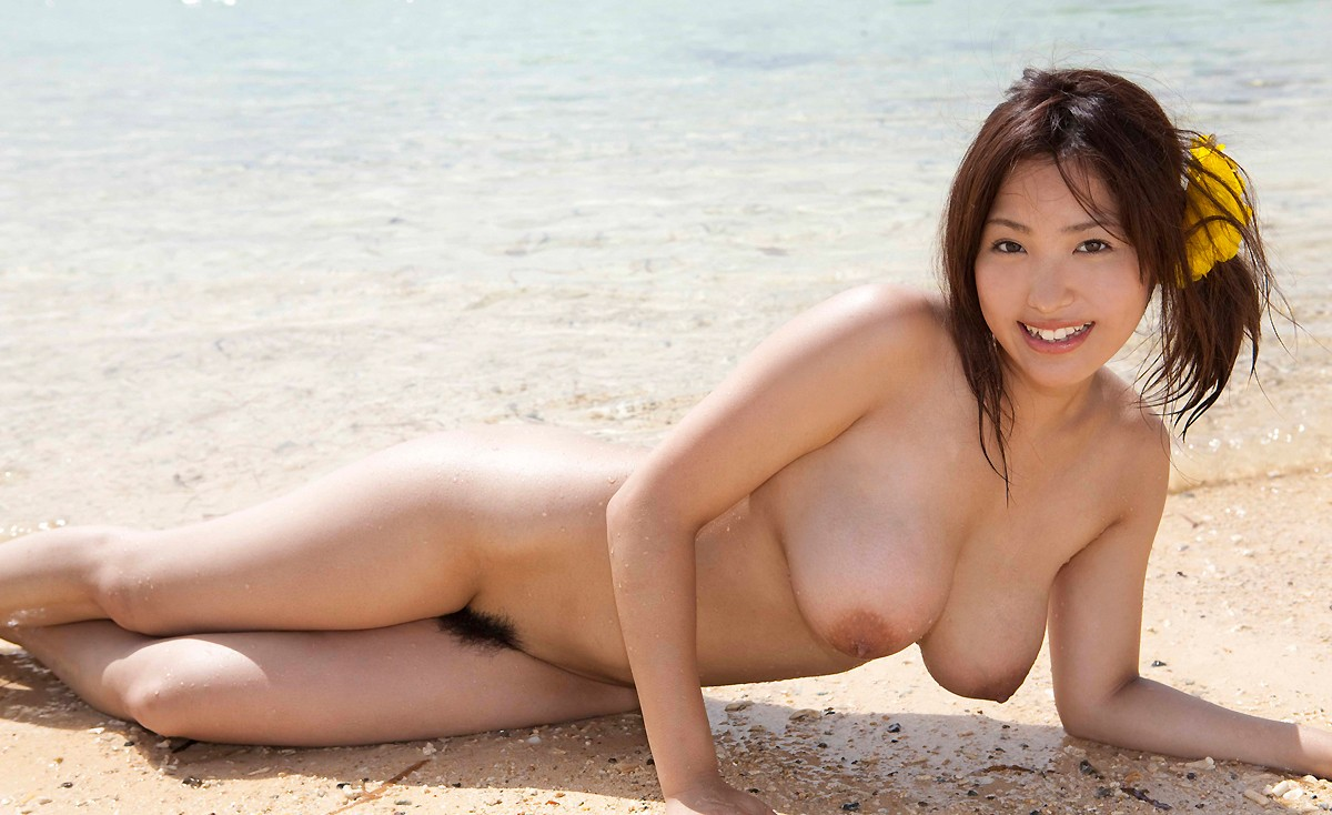 Large Breasted Maki Kokoro Posing Outside Japarn Porn Pics At