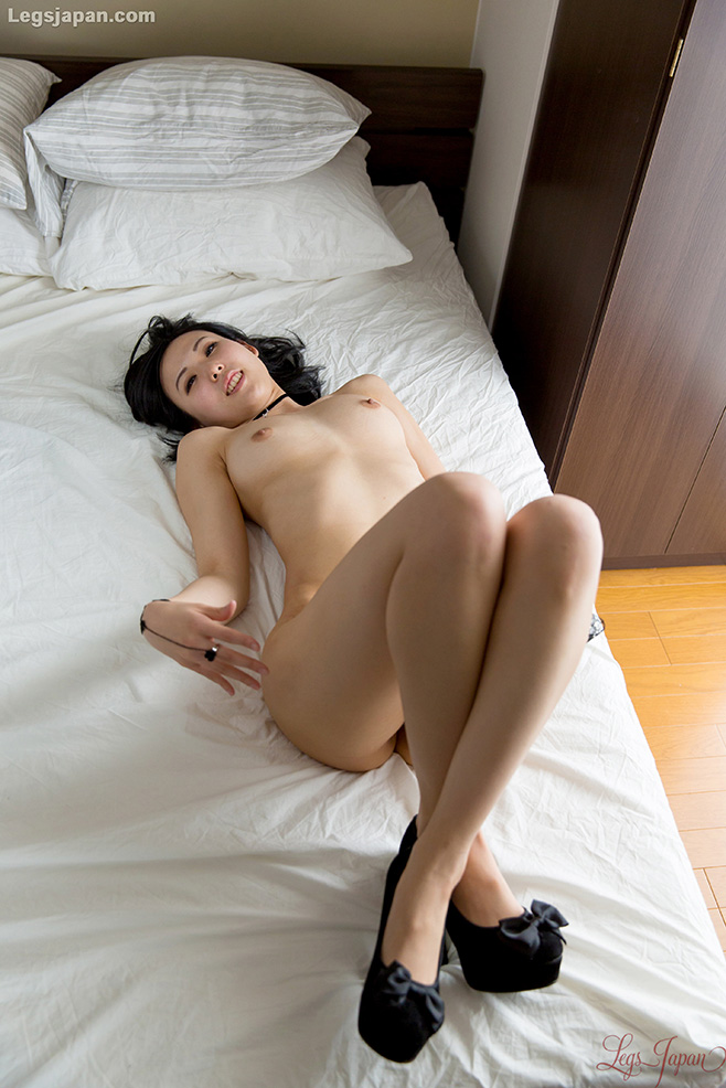 Agree, Nude girls legs cross pic will your