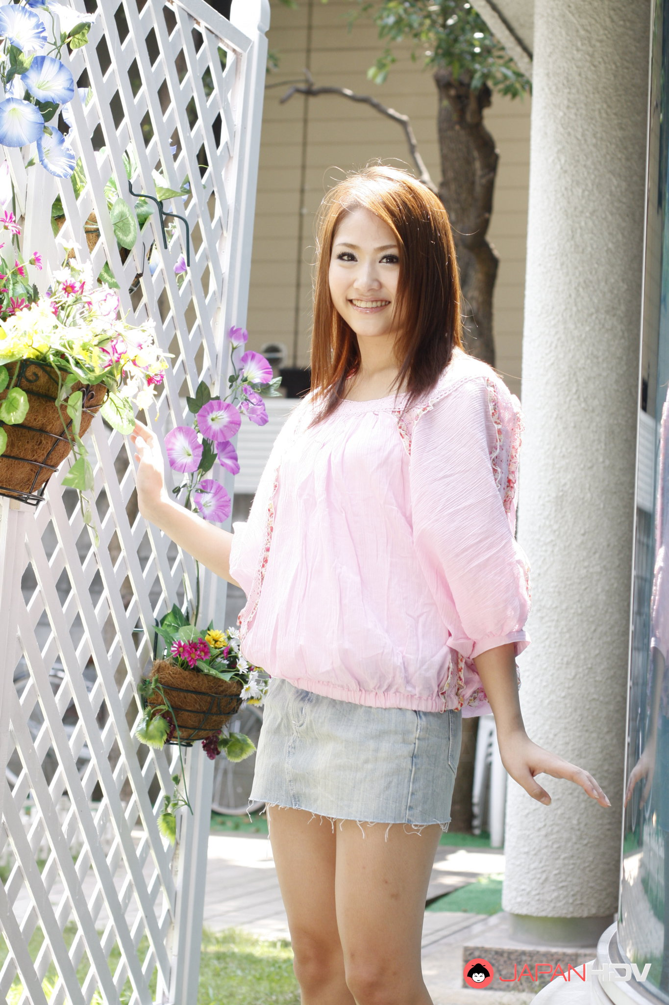Geisha Iori Mizuki bedient ihn mit ihrer zierlichen haarigen Muschi