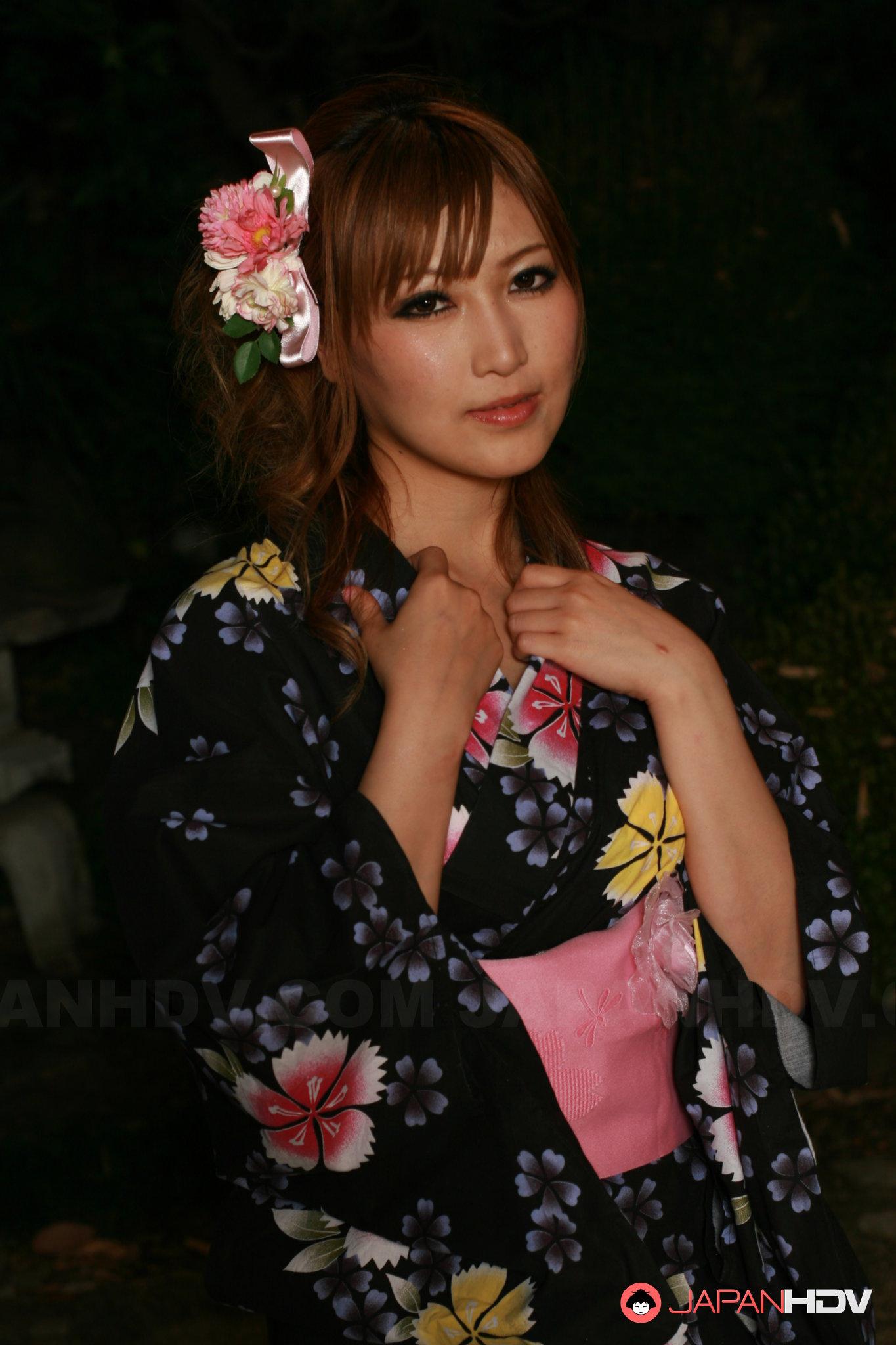 Hot Japanese lady in kimono Eri Hoshikawa